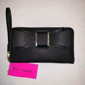 Betsey Johnson Bow zip around wallet wristlet